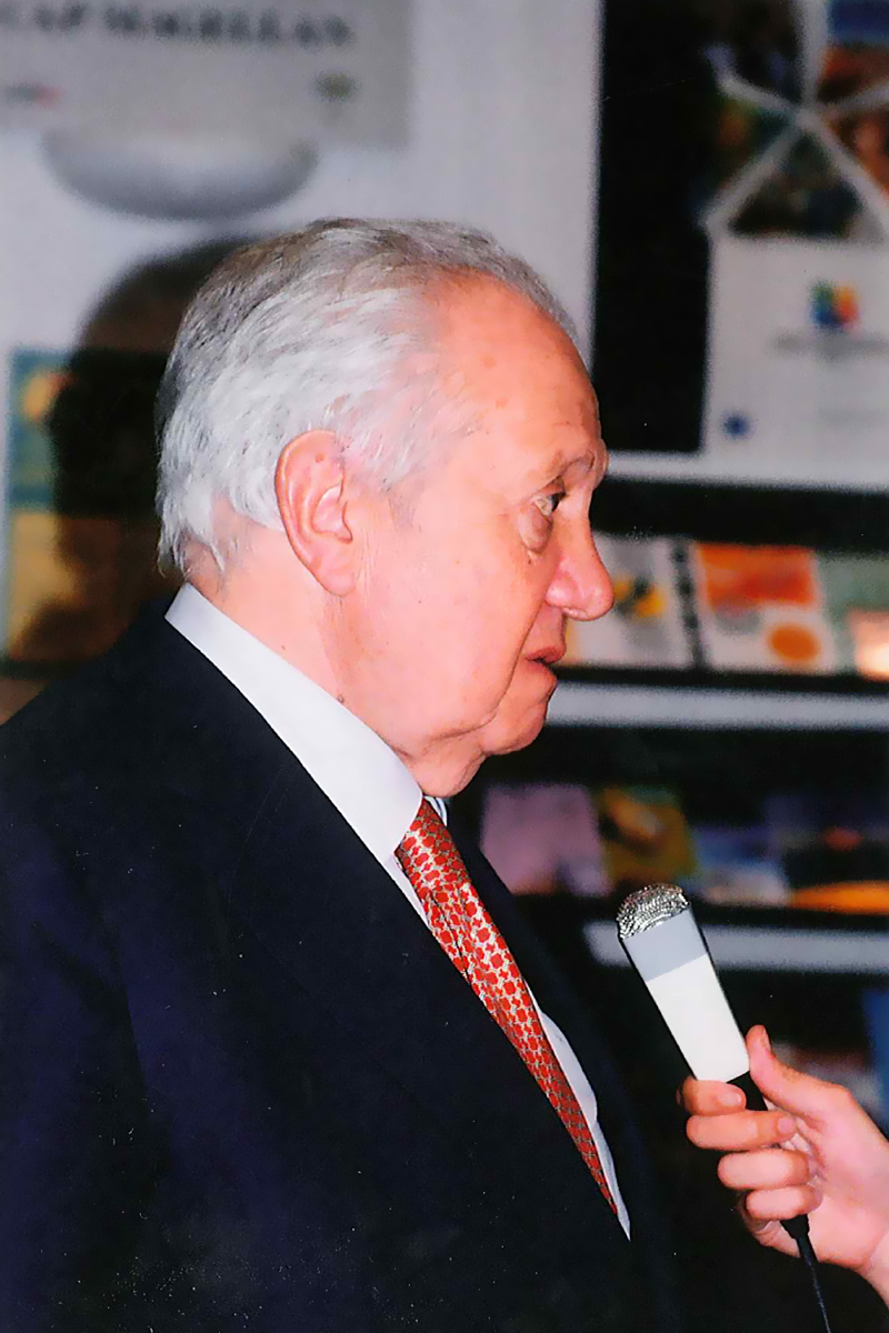 2004-cérémonie-25-Avril-(I)-Soares-Delanoë-13