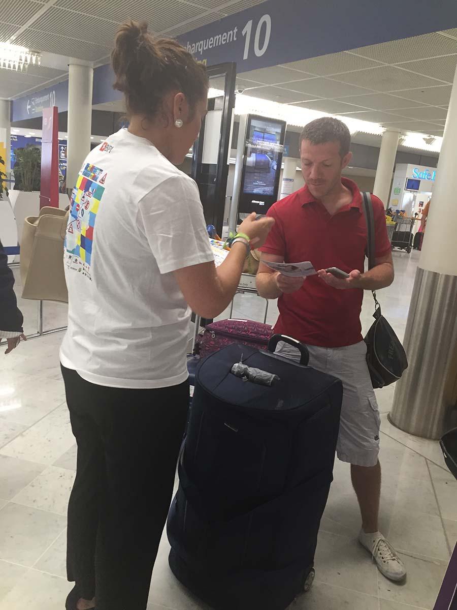 Action à l'aéroport d'Orly