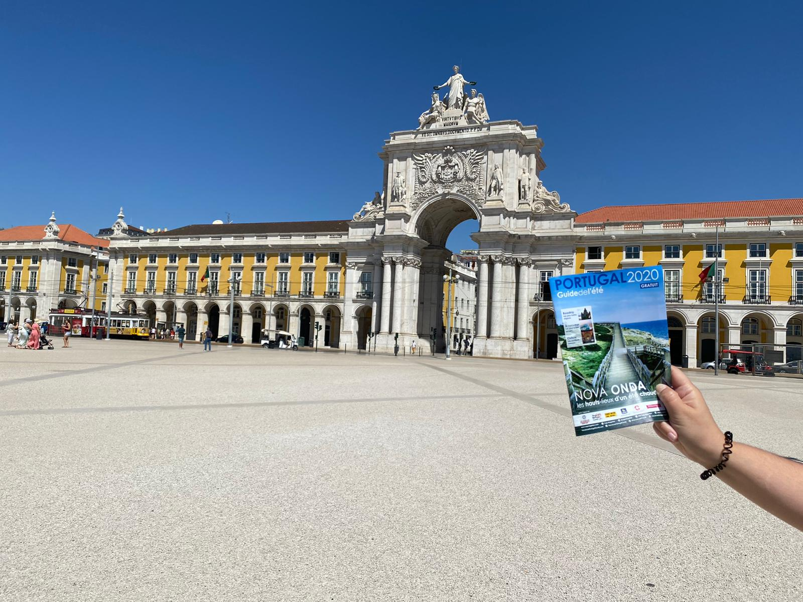Sécurété2020 - Action Bénévoles à Lisbonne - Distribution Guides de l'Éte - 06/08